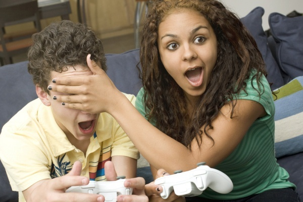 Video games cheating girlfriend squeezing the glue