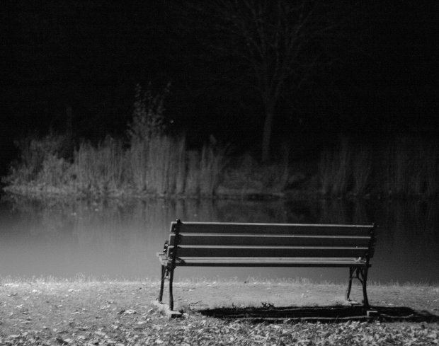 Lonely_bench