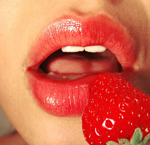 lips strawberry kisses