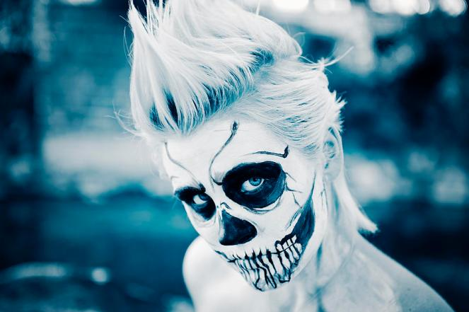 female-skeleton-ghoul--closeup-kriss-russell