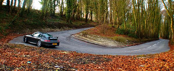 meander riding curve hills car turns zigzag