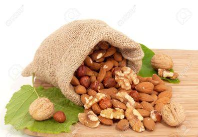 almond-walnut-nuts-health-flavors