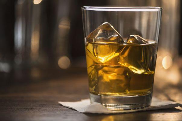 scotch-with-ice